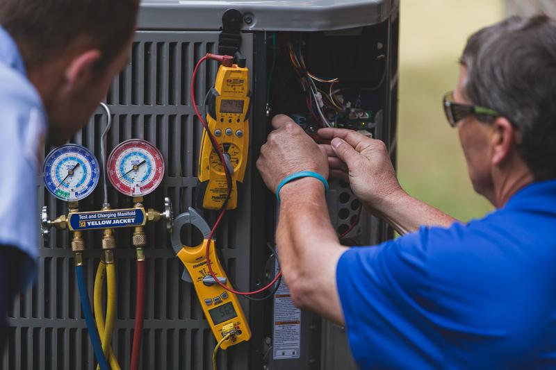 AC Maintenance Technicians
